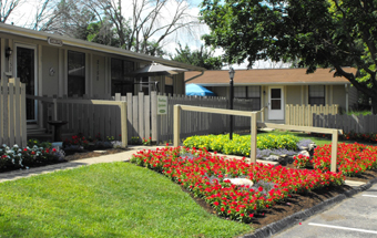 Home-sqaure-hawthorne-middletown-001
